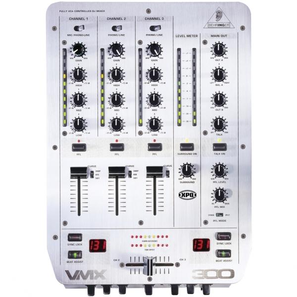 Behringer VMX300 DJ mix